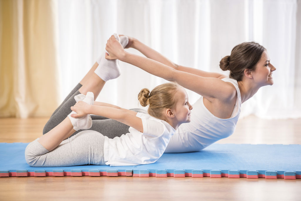 Yoga parent enfant activit s for Complexe sportif claude robillard piscine