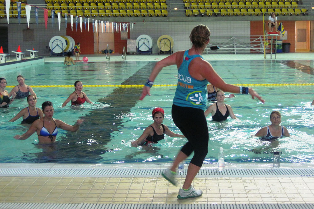 Moniteur cond phys aquatique formation secourisme et for Complexe sportif claude robillard piscine